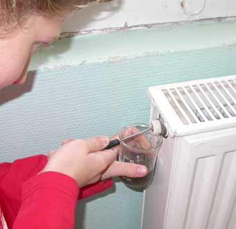 comment purger les radiateurs dans une maison a etage trendy with comment purger les radiateurs. Black Bedroom Furniture Sets. Home Design Ideas