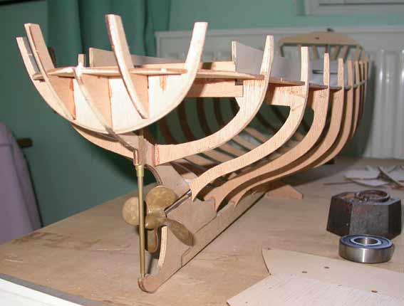Modelisme Naval Bateaux Chalutier Construction D Une Coque En Bois Vedettes Motorisation Et Radiocommande Sous Marin Bathyscaphe